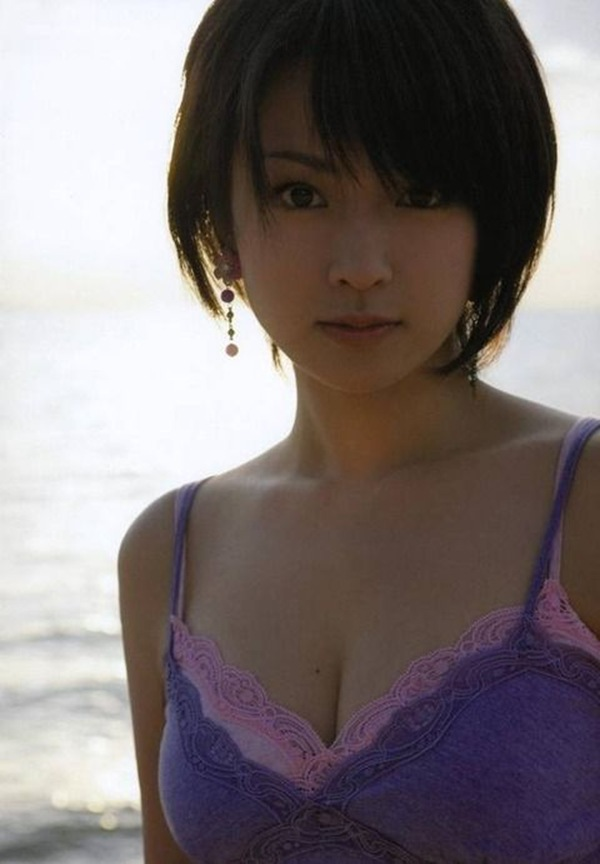 【深田恭子】巨乳おっぱいが水着からハミ乳