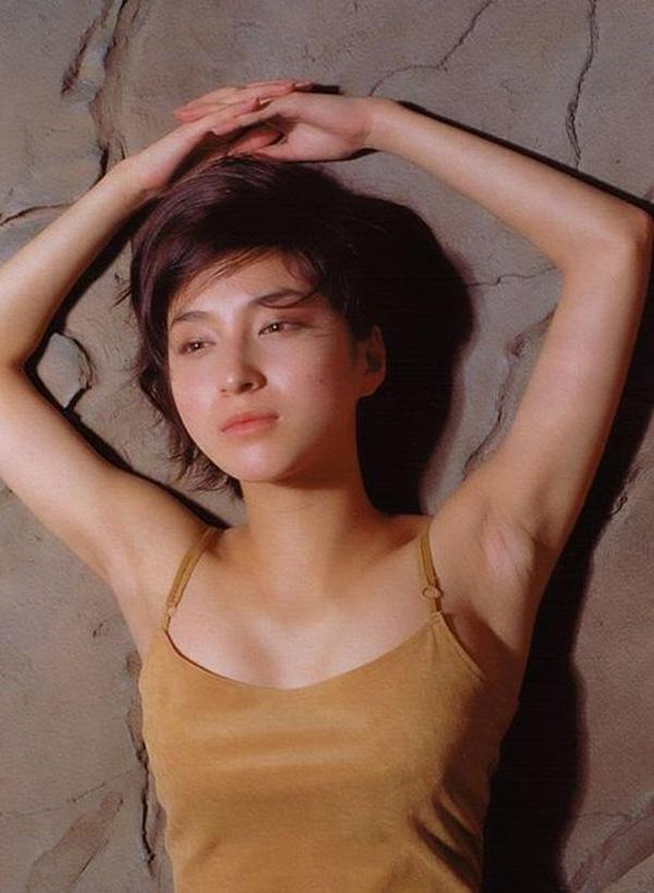 【広末涼子】お宝!下着から美乳おっぱいの乳首ボッチ杉www