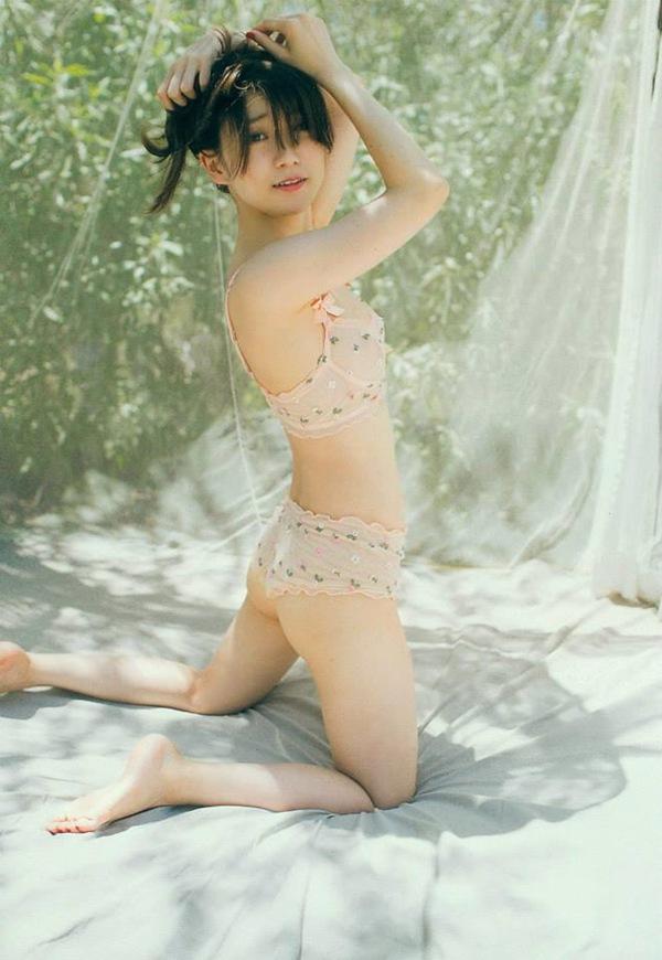 【大島優子】美乳おっぱいの横乳セミヌード