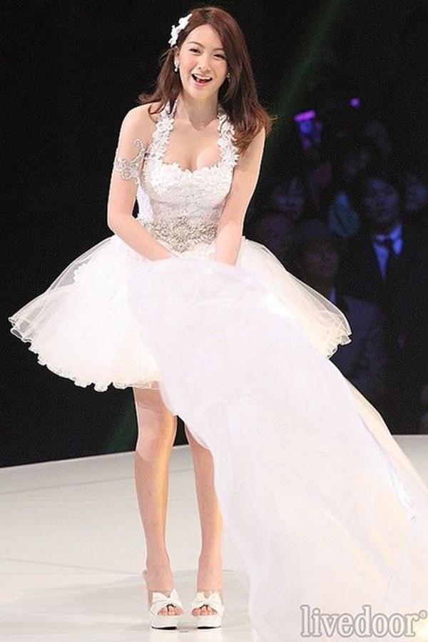 【知英ジヨン(元KARA)】巨乳おっぱいドレスから乳首ボッチエロ