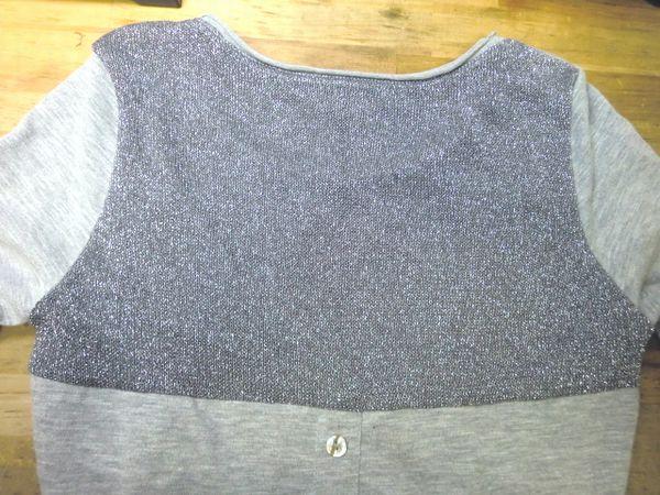 リメイク・ラメ生地Tシャツのチクチクをカバー④