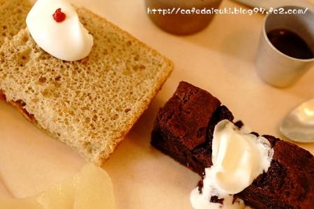 歩粉◇チョコとラズベリーのコブラー&カモミールジンジャーシフォンケーキ