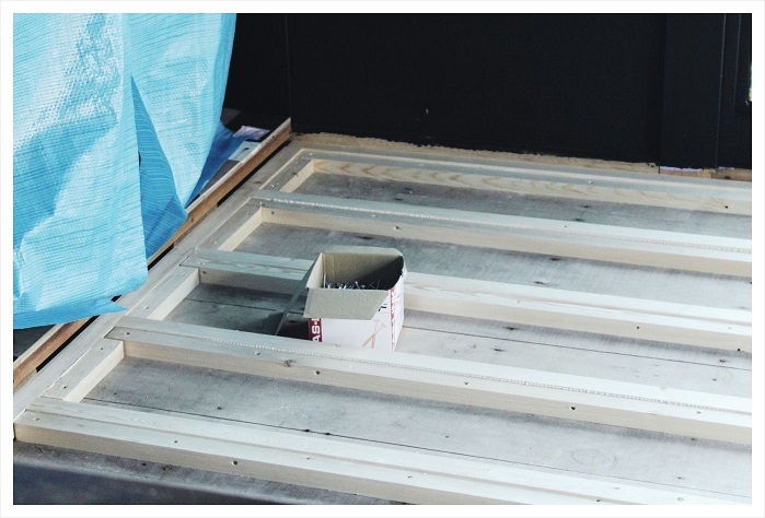 20150723黒部屋の床完成 (5)