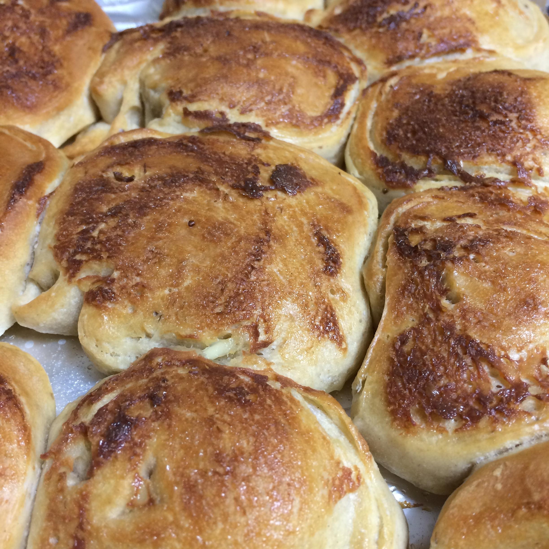 苺酵母パン。