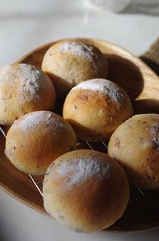 1_黒豆パン