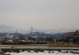 県境の山並み
