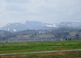 牛岳の残雪