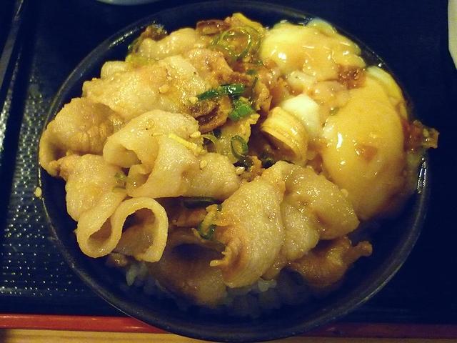 鹿児島豚の温玉つけ麺ののっけご飯