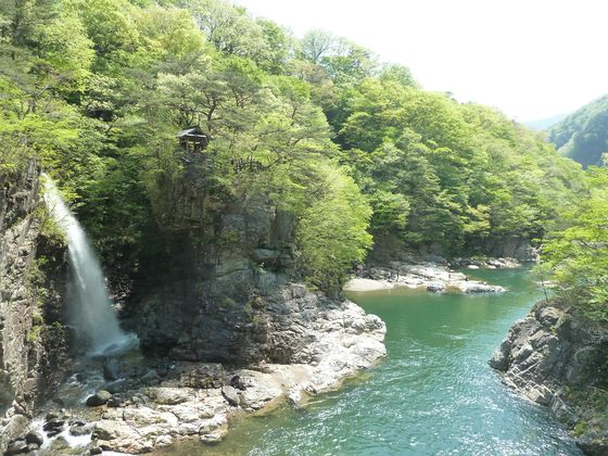 虹見橋と虹見の滝