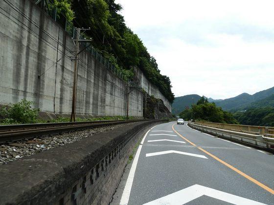 国道140号線寄居町波久礼付近