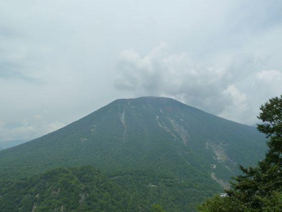 明智平から見る男体山