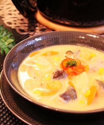 タラとシーフードミックスたっぷり野菜のサフラン煮 (348x418)