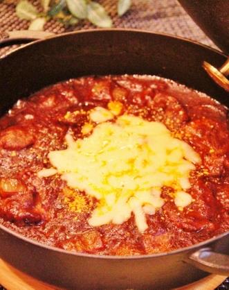 豚肩ロースの赤ワイン煮 (331x418)