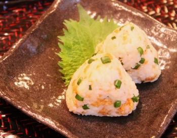 お弁当に☆たぬきおにぎり (350x274)