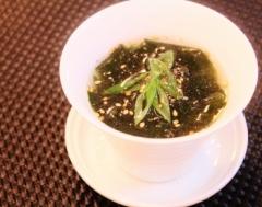 ごま油香る♡簡単ワカメの中華スープ (350x275)