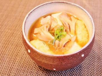 舞茸・豆腐・油揚げの味噌汁~♪ (350x261)