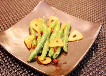 洋風総菜に♪いんげんのガーリックソテー (350x250)