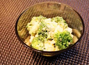 ブロッコリーとたまごのサラダ (350x256)