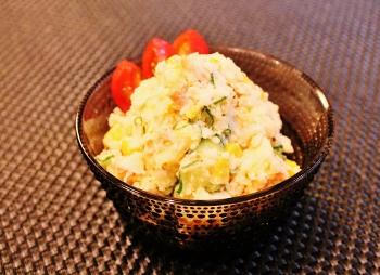 鮭フレークとコーンのポテサラ☆美味~ (350x254)