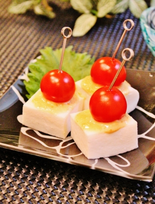 はんぺんとプチトマトの味噌マヨチーピンチョス (318x418)