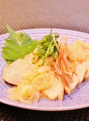 ✿豚肩ロースの玉ねぎの塩ニンニク生姜煮✿ (308x418)
