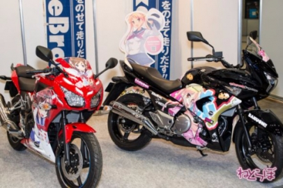 hys_150427_motorcycleshow_ita_1.jpg