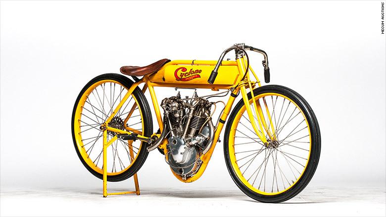 steve-mcqueen-motorcycle-780x439.jpg