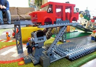 LEGO自動車工場9