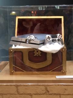 その他:メタル仕様PS4