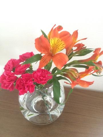 無印良品 良品週間 購入品 買った物 ガラスフラワーベース 凸型ボトム Mサイズ 花瓶 花器 フラワーベース カーネーション 母の日