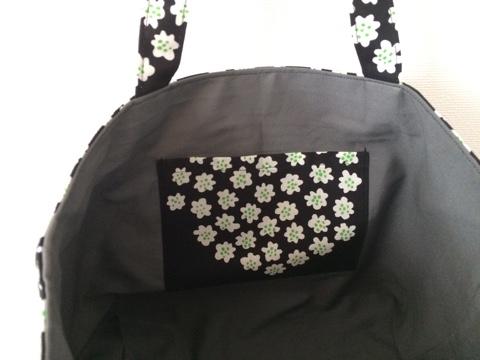 マリメッコ marimekko プケッティ PUKETTI 新色 ブラック 北欧ファブリック はぎれ ハギレ 北欧生地 ハンドメイド 手作り ミシン 手提げ バッグ トートバッグ