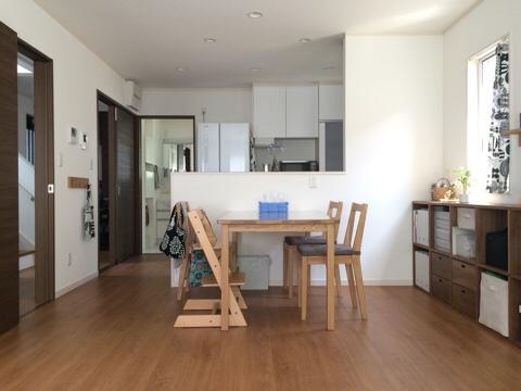 新築一戸建て リビング ダイニング キッチン 補修工事 2年点検 壁紙貼り替え