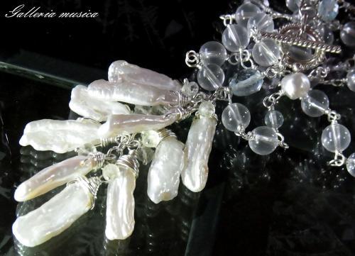 琵琶型淡水真珠のネックレス。3