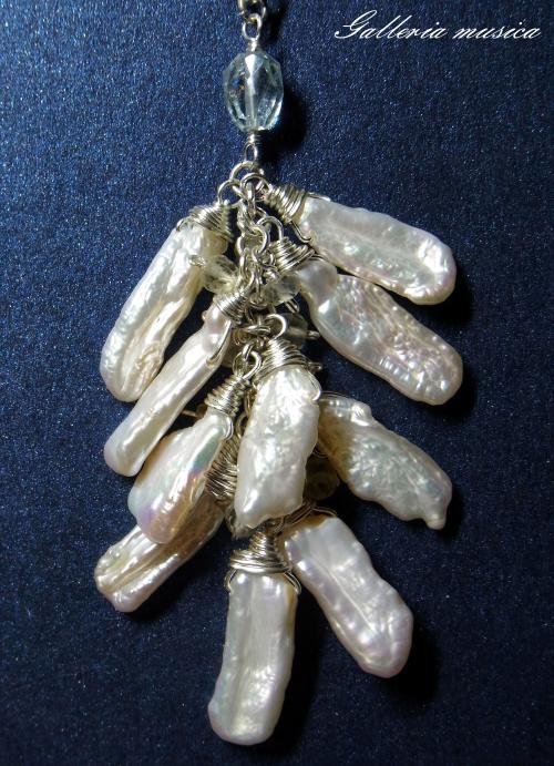 琵琶型淡水真珠のネックレス。4