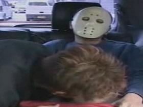 人に見られるリスクを犯しながら車内で丁寧な本気フェラ!