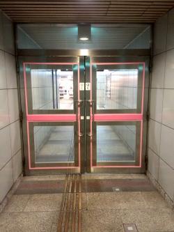 クリスタ長堀のドア2