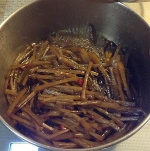 キャラブキを煮ています^^