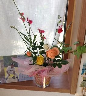 ミニ薔薇を飾ったよ♡