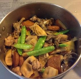 マイタケと鶏肉で煮ました^^