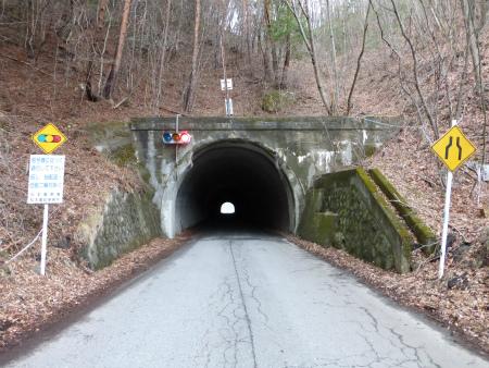 会吉隧道03