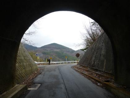 会吉隧道05