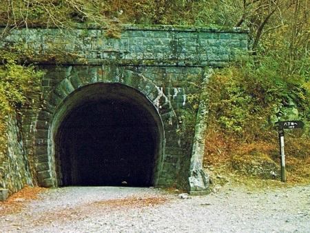 天城山隧道01