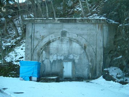 本栖湖の隧道08
