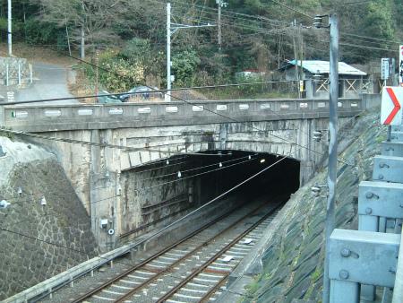 逢坂山トンネル02
