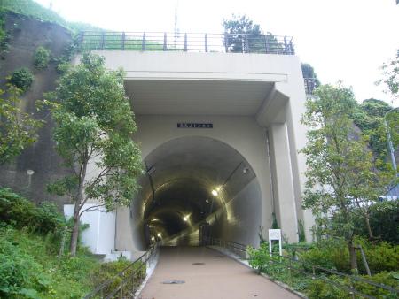 高島山トンネル02