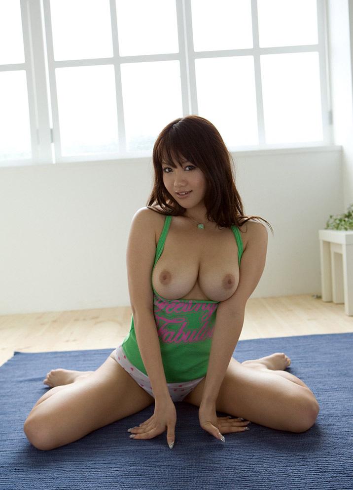 (No.21108) お乳 / 灘坂舞