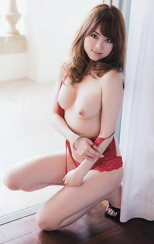 吉沢明歩のグラビア写真