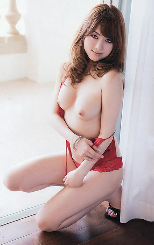 (No.21129) お乳 / 吉沢明歩
