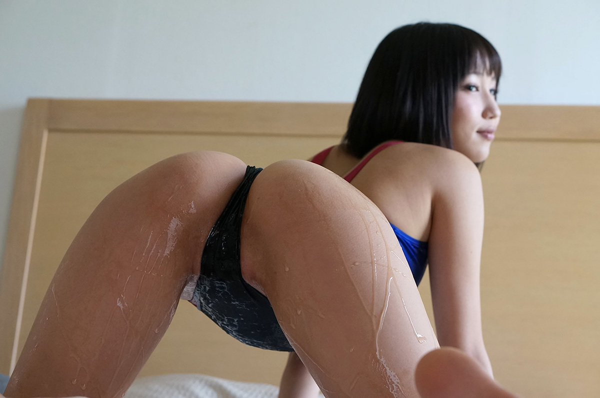湊莉久 | 綺麗なお姉さん。~AV女優のグラビア写真集~