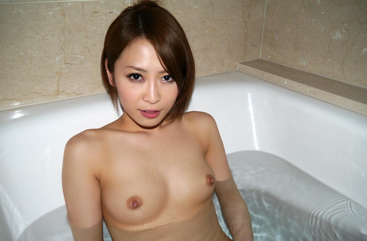 【No.23008】 入浴 / 坂下えみり